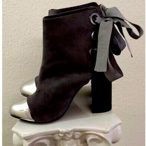 Olivia Miller 'Van Wyck' Open Back Ribbon booties
